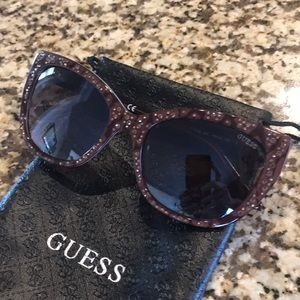 NWOT Guess Crystal Accented Sunglasses 🕶/ 54mm